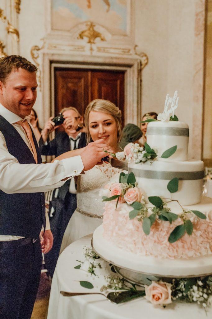 Hochzeitstorte-Stilechtes